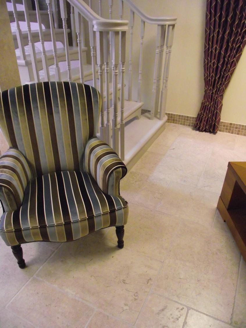 Pompadour1-marble